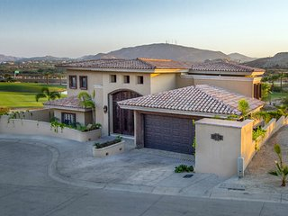 ~~Luxury Villa, 3 bdrm, Tranquil Golf views, NEW LIST