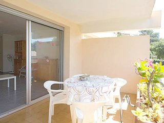 Cosy studio in Bormes-les-Mimosas with Parking, Internet, Washing machine, Balco