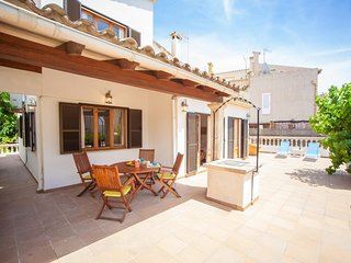 Spacious house in Alcúdia with Internet, Washing machine, Air conditioning, Terr