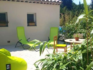 Cosy studio in Grimaud with Parking, Internet, Air conditioning, Pool