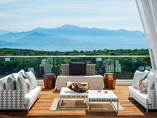 3-bed Platinum loft at Grand Luxxe Nuevo Vallarta for 10: March 30-April 6, 2019