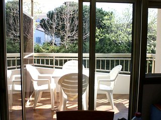 Cosy studio in the center of Sainte-Maxime with Parking, Washing machine, Air co