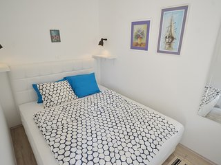 Cozy aparthotel in Rovinj with Parking, Internet, Washing machine, Air condition