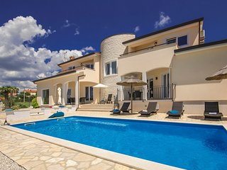 Spacious villa in Kastelir with Parking, Internet, Washing machine, Air conditio