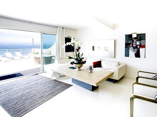 Spacious apartment in Marseille with Parking, Internet, Washing machine, Terrace