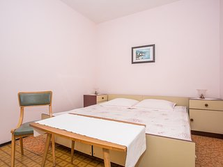 Spacious apartment in the center of Banjol with Parking, Internet, Washing machi