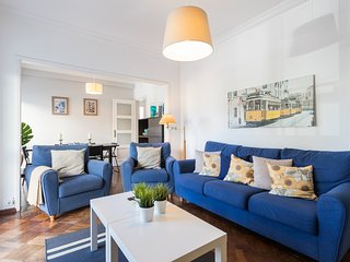 Spacious apartment in Lisbon with Internet, Washing machine, Balcony