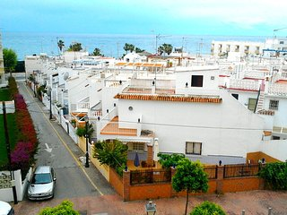 Spacious apartment a short walk away (211 m) from the 'Playa La Torrecilla' in N