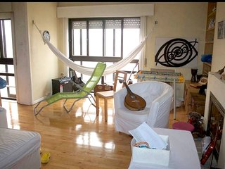 Spacious apartment in the center of Matosinhos with Lift, Internet, Washing mach
