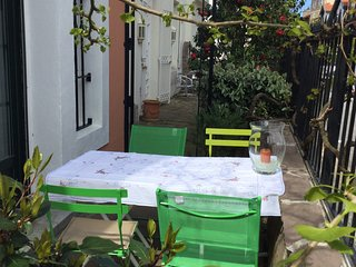 Cozy house in the center of Biarritz with Parking, Internet, Washing machine, Te