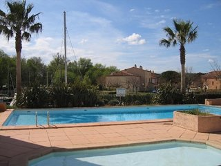 Cozy apartment in Grimaud with Parking, Internet, Washing machine, Pool