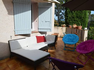 Spacious villa very close to the centre of Flassans-sur-Issole with Parking, Int