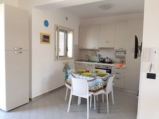 Cozy house in the center of Lido di Noto with Parking, Washing machine, Air cond