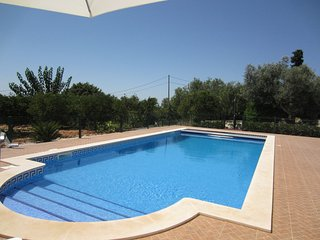 Spacious villa in the center of Silves with Parking, Internet, Washing machine,