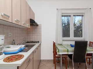 Cozy apartment in the center of Fažana with Parking, Internet, Washing machine,
