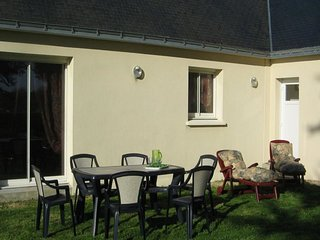 Cozy house in the center of Erdeven with Parking, Internet, Washing machine