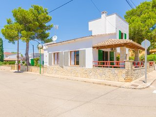 Spacious house in the center of Sa Ràpita with Internet, Washing machine, Air co
