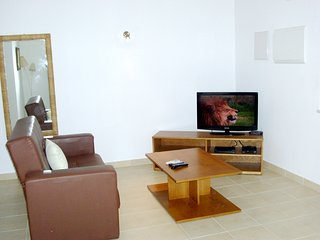 Spacious apartment in the center of Olhos de Água with Washing machine, Pool, Ba