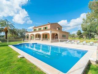 Spacious villa in Algaida with Parking, Internet, Washing machine, Air condition