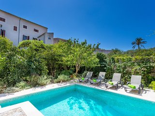 Spacious villa in the center of Sineu with Internet, Washing machine, Pool, Terr
