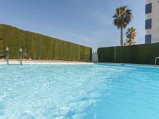 Spacious apartment a short walk away (411 m) from the 'Playa de l'Aigua Morta' i