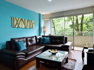 Spacious apartment in Medellin with Parking, Internet, Washing machine, Air cond