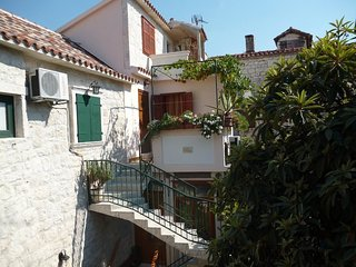 Cozy apartment in the center of Trogir with Internet, Air conditioning, Balcony,