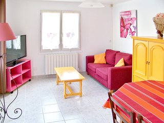 Cozy house in the center of Aubevoye with Parking, Internet, Terrace