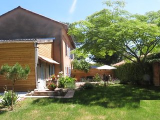 Spacious house in Gaillac with Parking, Internet, Washing machine, Garden
