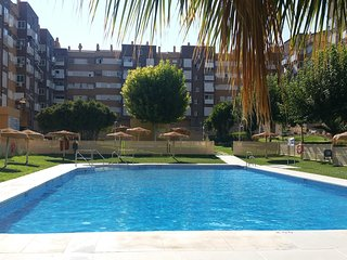 Spacious apartment in the center of Jaén with Lift, Parking, Internet, Washing m