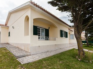 Spacious house close to the center of Santo Isidoro with Parking, Internet, Wash