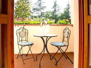 Spacious apartment in Poggibonsi with Parking, Internet, Air conditioning, Balco