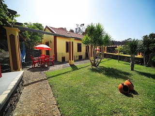 Cosy studio in Ponta Do Pargo with Parking, Internet, Terrace