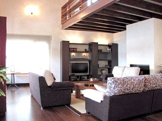 Spacious house in San Leonardo de Yagüe with Parking, Internet, Washing machine,