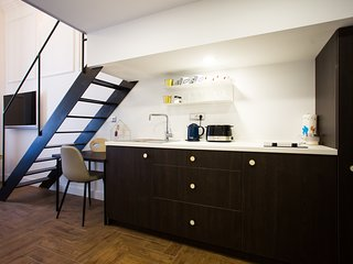 Cosy studio very close to the centre of Zagreb with Internet, Air conditioning