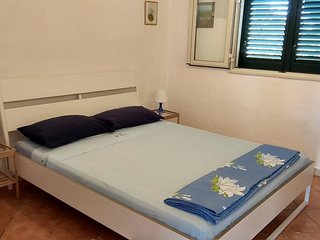 Cozy apartment close to the center of San Vito dei Normanni with Parking, Intern