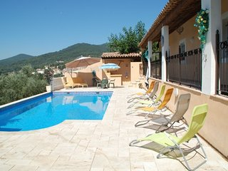 Cozy villa in the center of Callas with Parking, Internet, Washing machine, Air