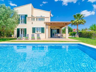 Spacious villa in Campos with Internet, Washing machine, Air conditioning, Pool