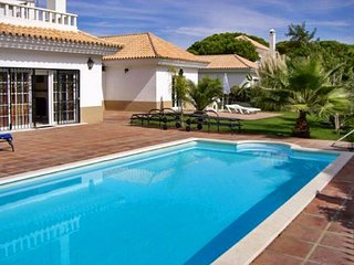 Cozy house in Nuevo Portil with Parking, Internet, Washing machine, Air conditio