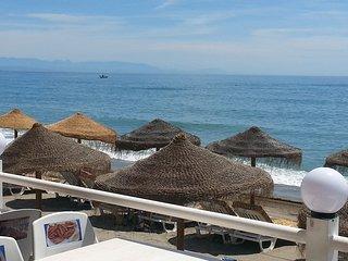 Spacious apartment in the center of Fuengirola with Parking, Internet, Washing m