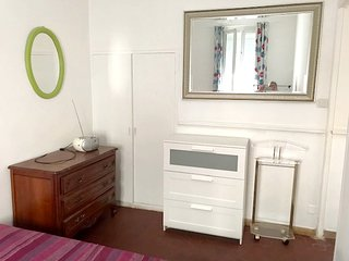 Cozy apartment in Marseille with Parking, Internet, Washing machine