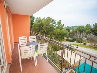 Spacious apartment very close to the centre of Porec with Parking, Internet, Air