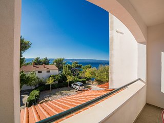 Spacious apartment in Mimice with Parking, Internet, Air conditioning, Balcony
