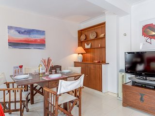 Spacious apartment in the center of Monte Gordo with Lift, Internet, Balcony