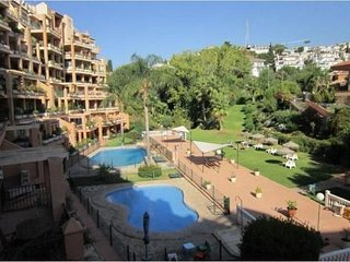 Spacious apartment a short walk away (368 m) from the 'Playa de Las Gaviotas' in