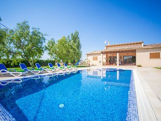 Spacious villa in Sa Pobla with Parking, Internet, Washing machine, Air conditio