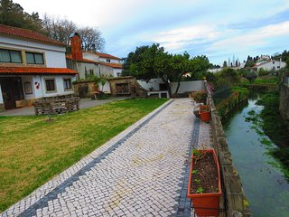 Cozy house very close to the centre of Porto de Mos with Parking, Internet, Wash