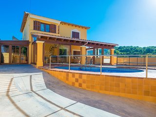 Spacious villa in Peguera with Internet, Washing machine, Pool