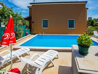 Spacious aparthotel in Nova Vas with Parking, Internet, Washing machine, Air con
