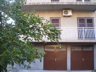 Spacious apartment close to the center of Sibenik with Parking, Internet, Washin